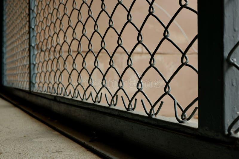 Las barras de hierro que guardaron a los ladrones juntos foto de archivo libre de regalías