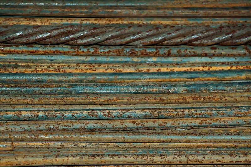 Las barras de metal mienten horizontalmente y llenan el marco entero Fondo industrial para la metalurgia fotografía de archivo libre de regalías