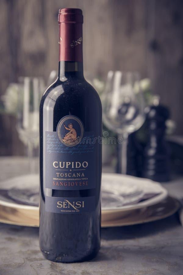 Las botellas de vino hermosas fotografía de archivo libre de regalías