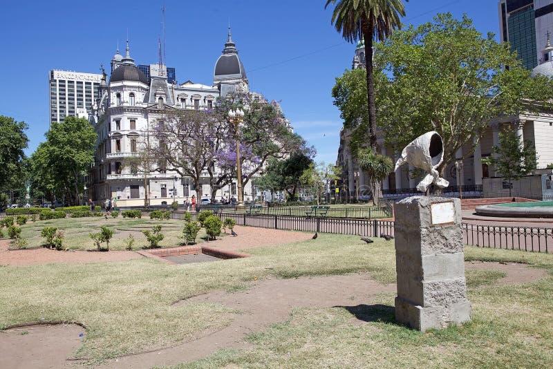 Las bufandas blancas de las madres en Plaza de Mayo, Buenos Aires, la Argentina imágenes de archivo libres de regalías
