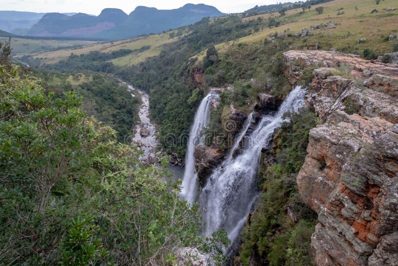 Las caídas de Lisboa: cascadas dobles en el barranco del río de Blyde, ruta del panorama cerca de Graskop, Mpumalanga, Suráfrica fotos de archivo libres de regalías