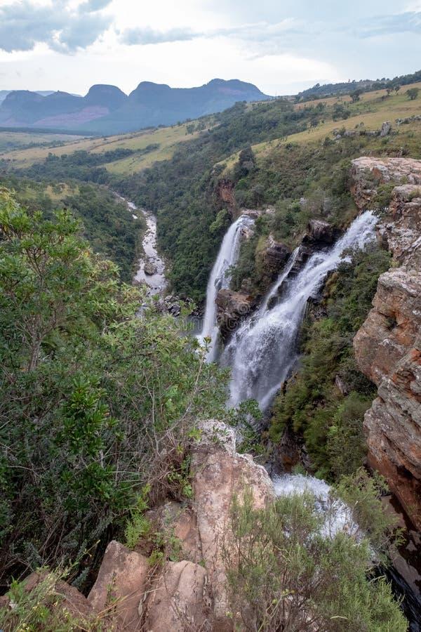 Las ca?das de Lisboa: cascadas dobles en el barranco del r?o de Blyde, ruta del panorama cerca de Graskop, Mpumalanga, Sur?frica fotos de archivo libres de regalías