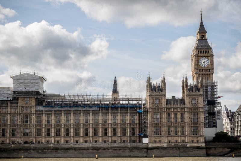 Las casas británicas del parlamento que experimentan la renovación fotos de archivo libres de regalías