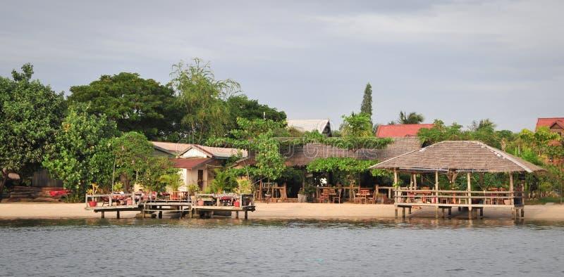 Las casas de madera en el eco recurren en el delta del Mekong, Vietnam imagen de archivo libre de regalías