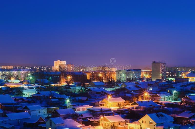 Las cercanías de la ciudad en la noche foto de archivo libre de regalías