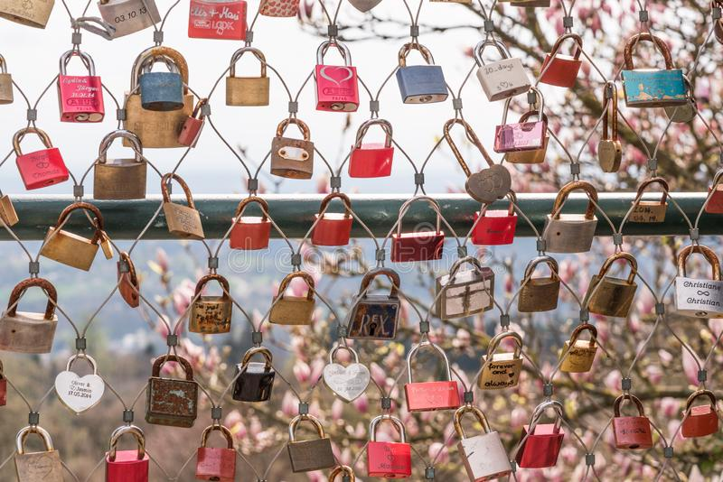 Las cerraduras del amor en Linz imagenes de archivo