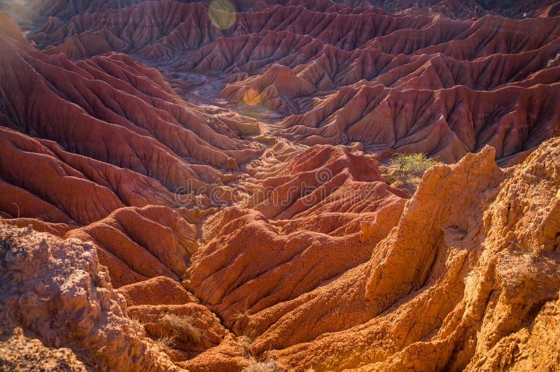 Las colinas rojas de Tatacoa abandonan en Huila, Colombia fotos de archivo