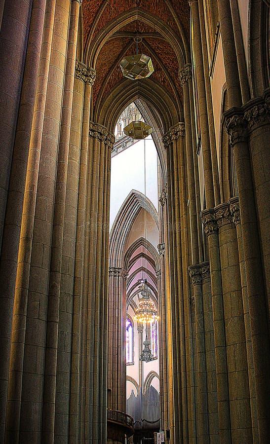 Las columnas de la catedral fotos de archivo