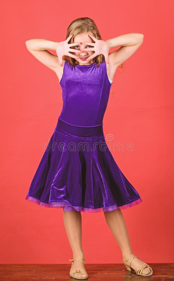 Las cosas que usted necesita saben sobre peinado de la danza de sal?n de baile Peinado para el bailar?n C?mo hacer el peinado ord fotos de archivo