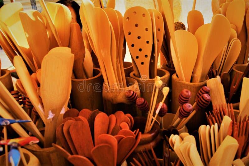 Las cucharas de madera y su textura imagen de archivo libre de regalías