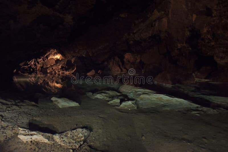 Las cuevas de la dolomía de Bozkov son el sistema más largo de la cueva de la República Checa que se crea en dolomías imagenes de archivo