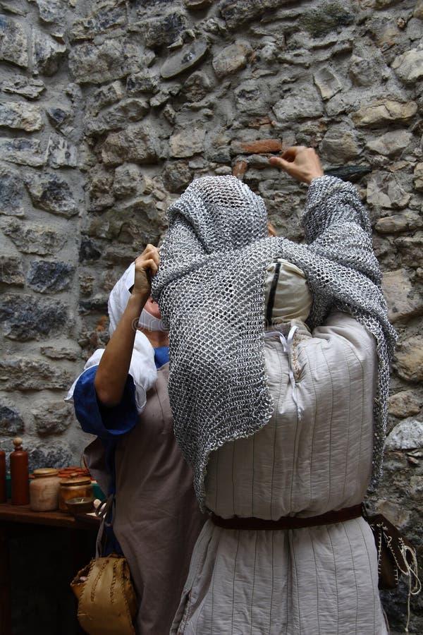 Las Edades Medias en el mercado medieval de Erba - distrito Villincino del domingo 13 de mayo de 2018 fotografía de archivo