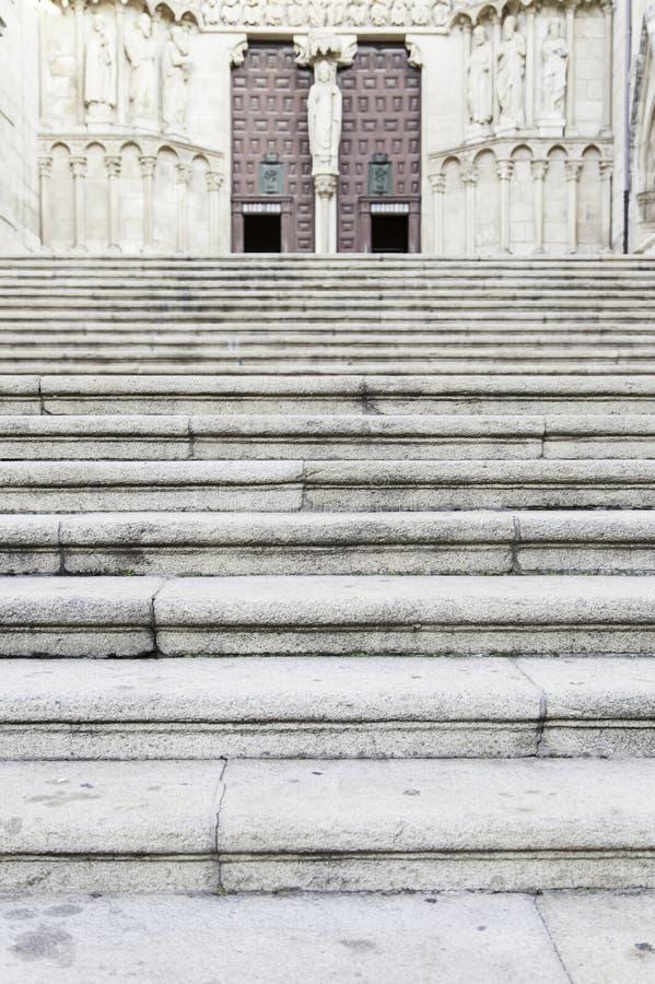 Las escaleras encantan a una iglesia foto de archivo libre de regalías