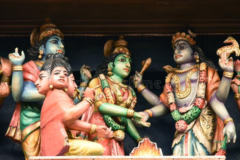Las estatuas hindúes en Batu excavan Kuala Lumpur Malasia imágenes de archivo libres de regalías
