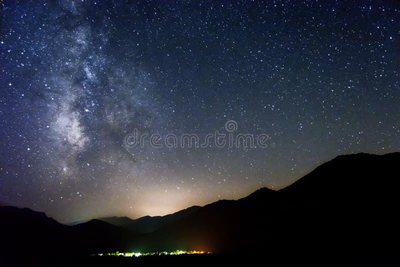 Las estrellas en el horizonte foto de archivo libre de regalías