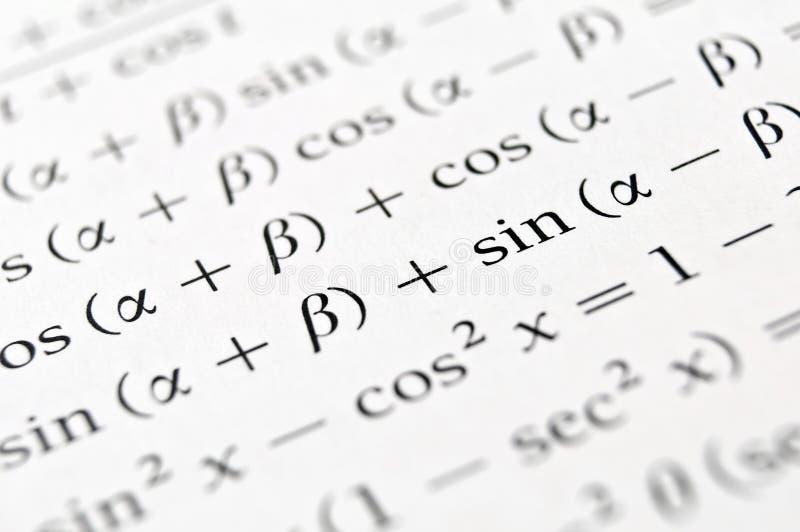 Las fórmulas de la álgebra se cierran para arriba. imágenes de archivo libres de regalías