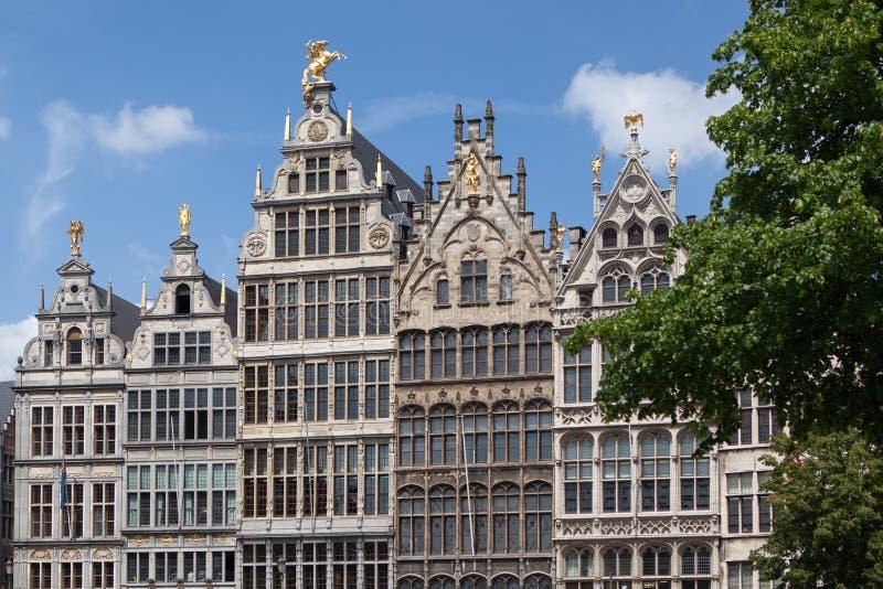 Las fachadas de los edificios del gremio en el Grote Markt ajustan foto de archivo libre de regalías