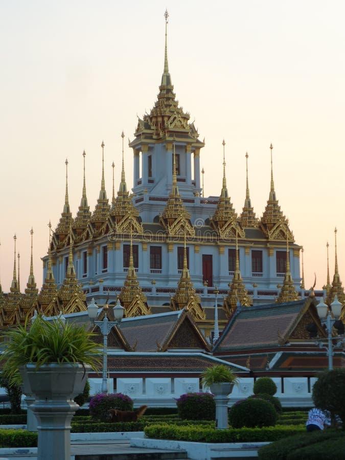 Las fotos del parque del jardín en Bangkok, Tailandia allí son muchos lugares interesantes tailandeses y turistas extranjeros Ven fotos de archivo