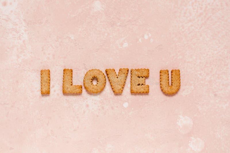 Las galletas arreglaron como frase que amo U fotografía de archivo libre de regalías