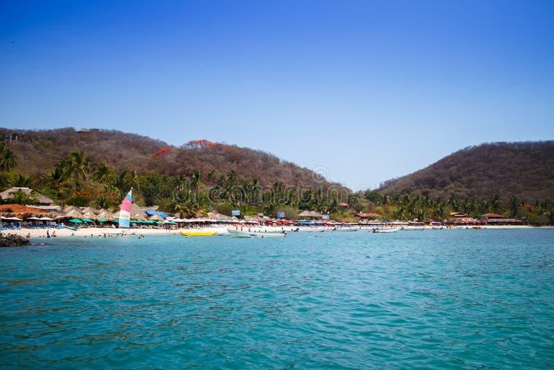 Las Gatas de Playa de bateau. images stock