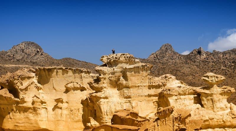 Las Gredas石灰石峭壁在Bolnuevo西班牙 库存照片