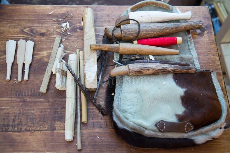 Las herramientas para hacer zhaleyka de madera de los instrumentos, estrían Foco selectivo fotos de archivo libres de regalías