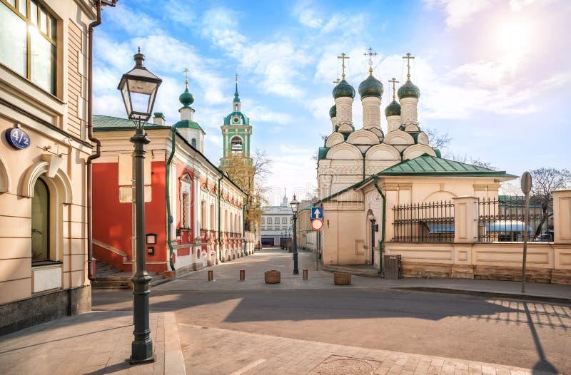 Las iglesias en el carril de Chernigovsky imagen de archivo