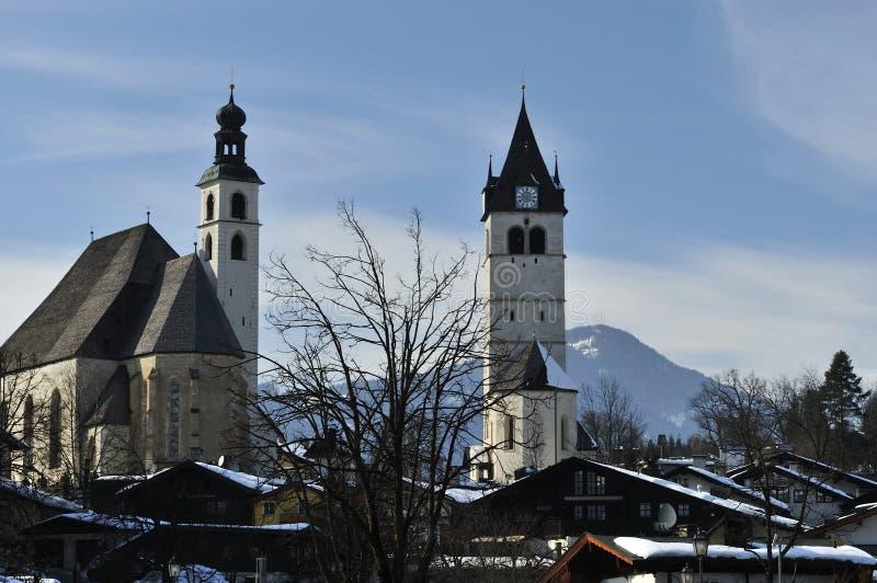 Las iglesias gemelas de Kitzbuhel foto de archivo