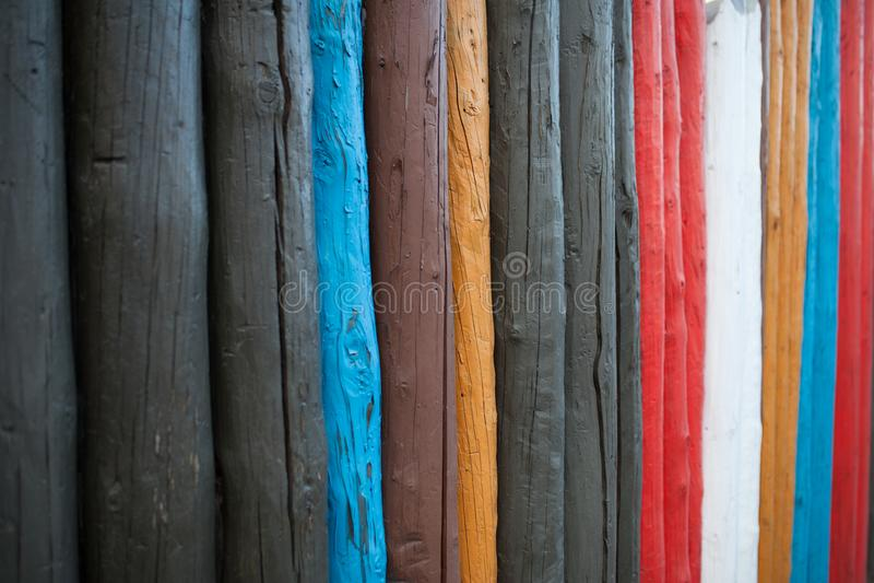 Las ilustraciones coloridas pintadas en el material de madera para el wallpa del vintage imagen de archivo