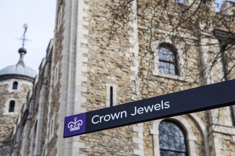 Las joyas de la corona en la torre de Londres fotos de archivo libres de regalías