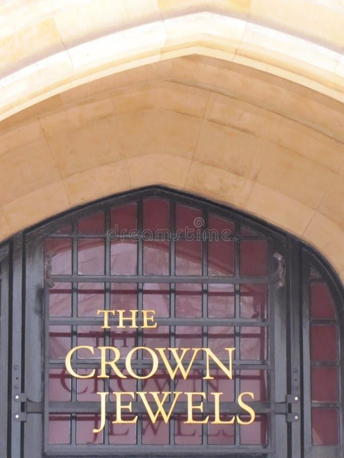 Las joyas de la corona de Inglaterra son seguras aquí imágenes de archivo libres de regalías