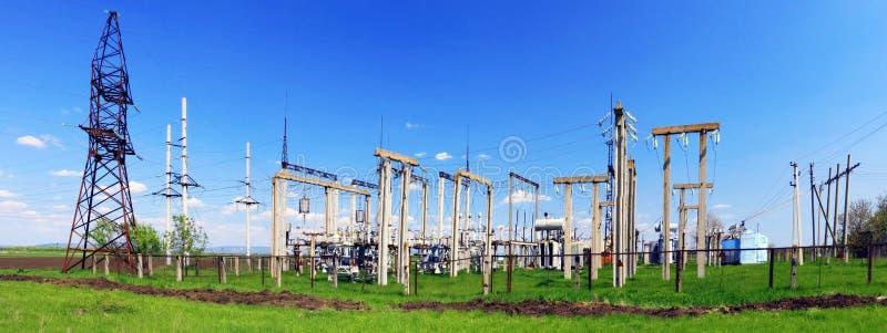 Las líneas de la subestación y de transmisión de poder. Panorama fotos de archivo libres de regalías