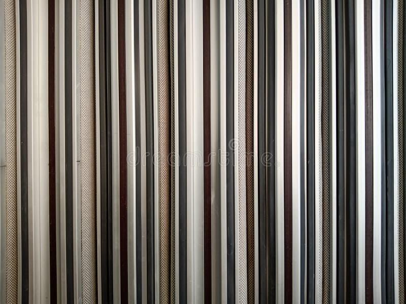 Las líneas y las texturas en arquitectura, líneas paralelas, repetidor, repitiéndose, los edificios modernos diseñan imagen de archivo libre de regalías