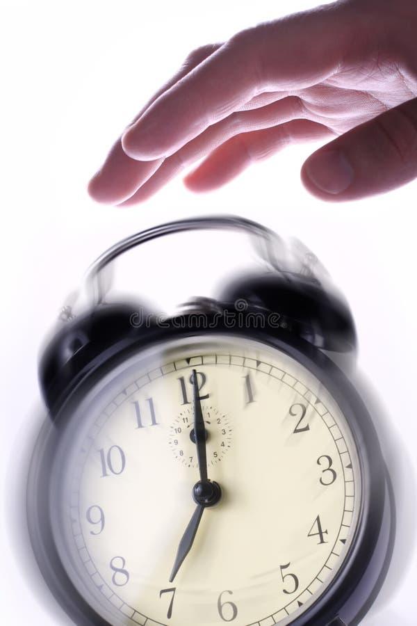 Las llamadas del reloj de alarma. Buenos días. foto de archivo libre de regalías