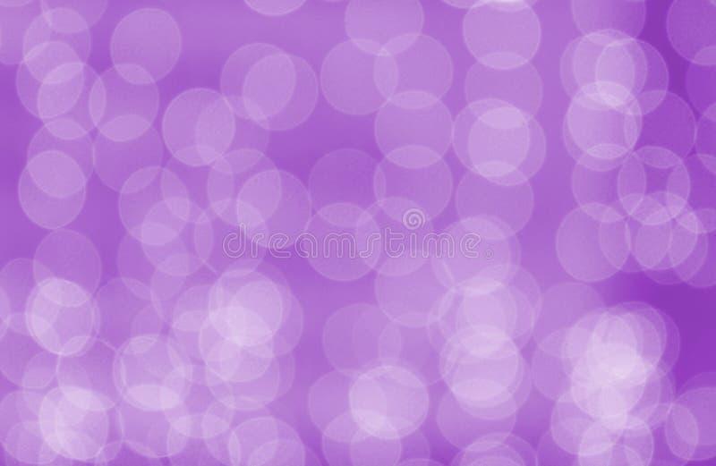 Las luces del día de fiesta están quemando en un fondo púrpura stock de ilustración