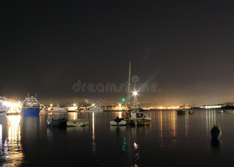 Las luces en la noche Granatello, Portici, Italia foto de archivo libre de regalías
