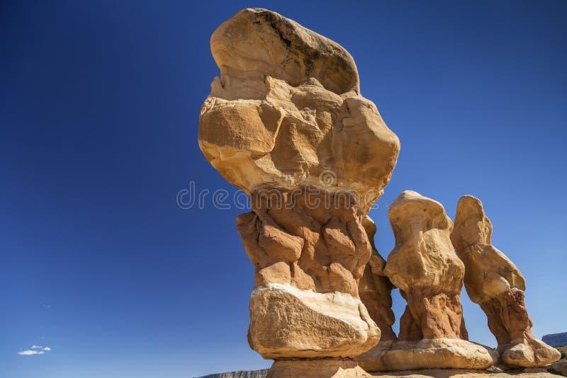 Las malas sombras de la piedra arenisca en el ` s del diablo cultivan un huerto cerca de Escalante Utah fotos de archivo