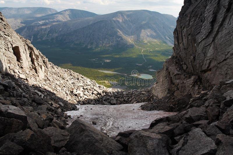 Download Las montañas de Khibiny foto de archivo. Imagen de lago - 1278650