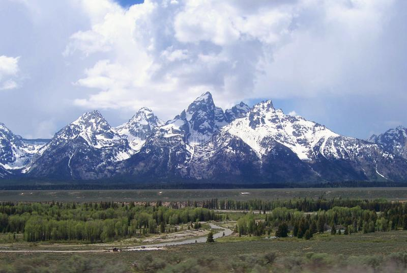 Las montañas de Teton cerca de Jackson Hole Wyoming fotografía de archivo