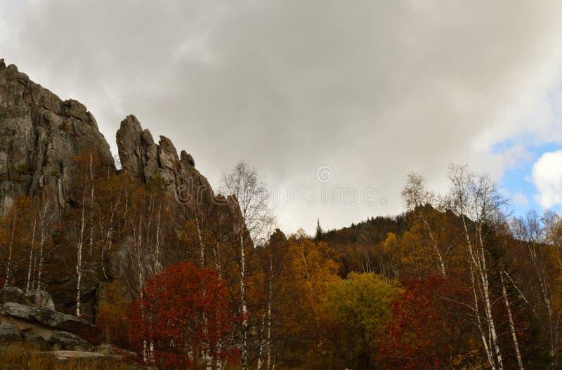 Las montañas de Ural fotografía de archivo libre de regalías