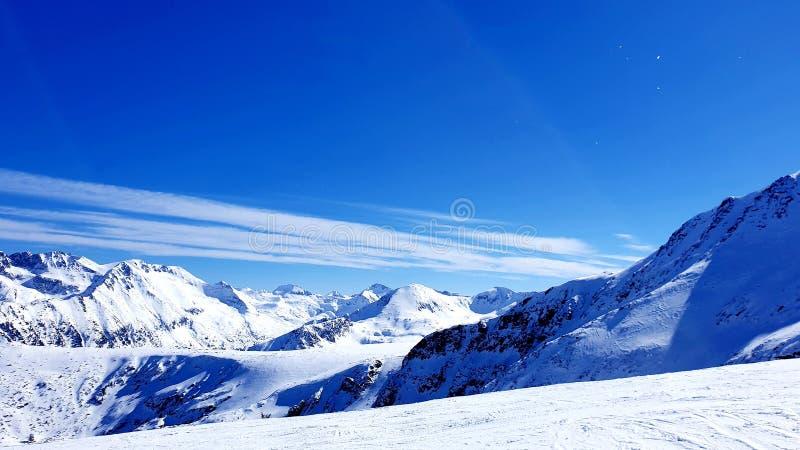 Las montañas Nevado son azules foto de archivo libre de regalías