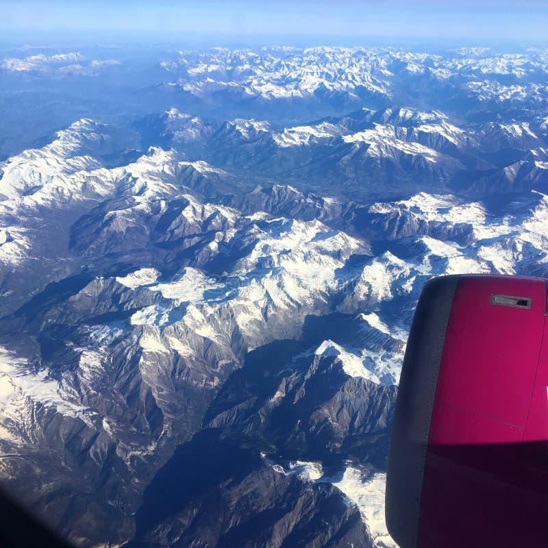 Las montañas vistas del cielo fotos de archivo libres de regalías