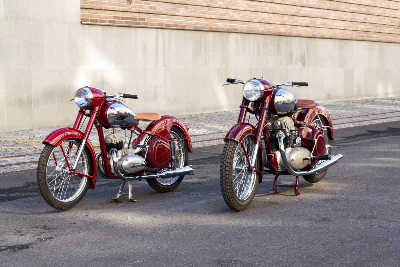 JohnJohnsen Motocicleta Vintage Coj/ín Extendido Coj/ín Asiento de la Motocicleta Cafe Racer Silla Scramble Pan Plano para Honda CG1215 Verde
