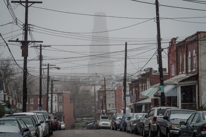 Las nevadas de un abril obscurecen la catedral del aprendizaje fotografía de archivo