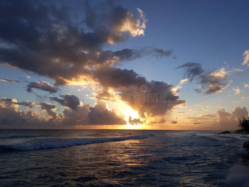 Las nubes son parte de la belleza fotografía de archivo