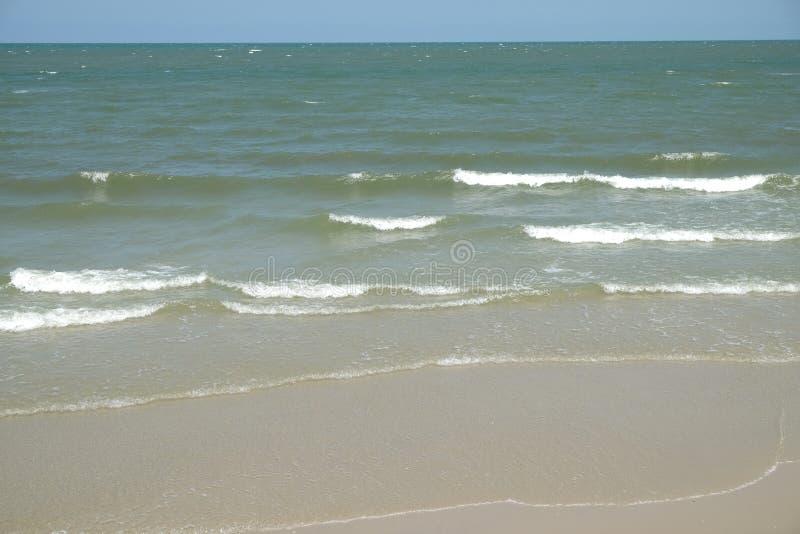 Las ondas agitaron suavemente foto de archivo libre de regalías