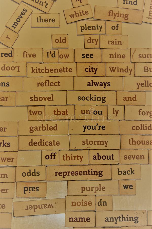 Las palabras al azar en un tablero pueden chispear memorias fotografía de archivo