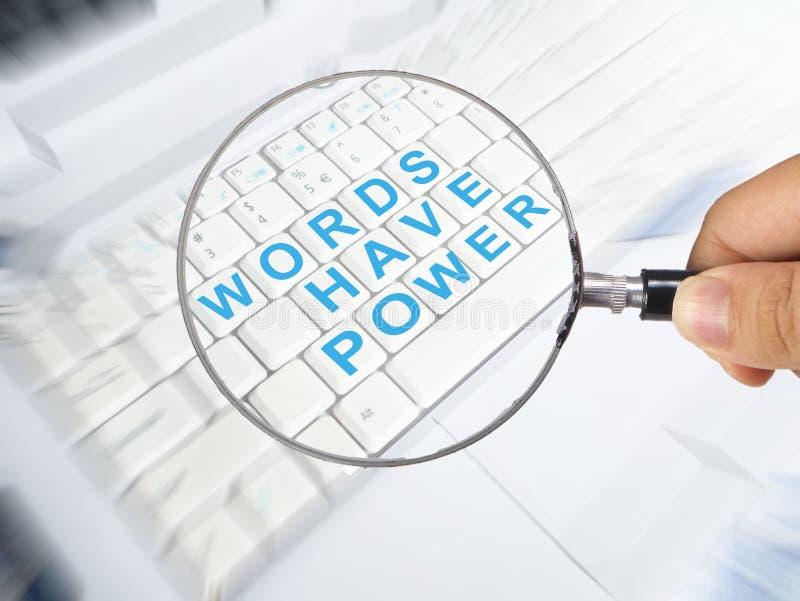 Las palabras tienen poder, concepto de motivaci?n de las citas de las palabras imagen de archivo libre de regalías