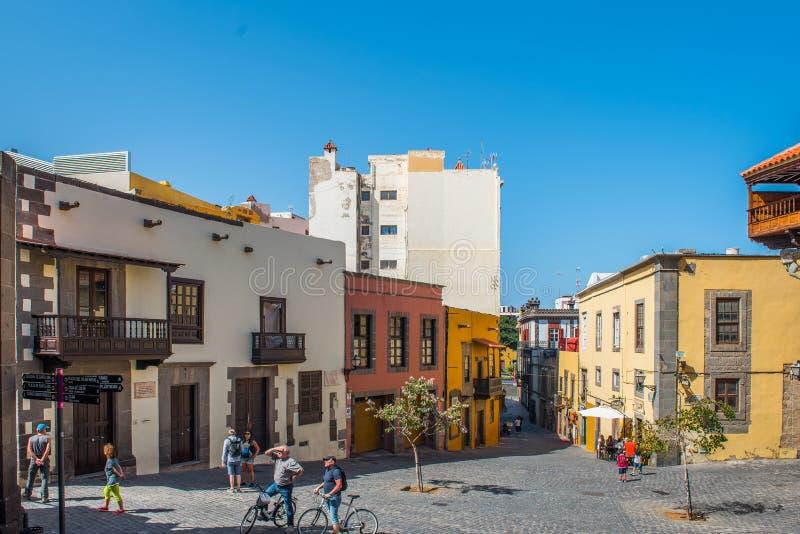 LAS PALMAS DE GRAN CANARIA HISZPANIA, MARZEC, - 10, 2019: Widok miasto ulica Odbitkowa przestrze? dla teksta zdjęcia stock