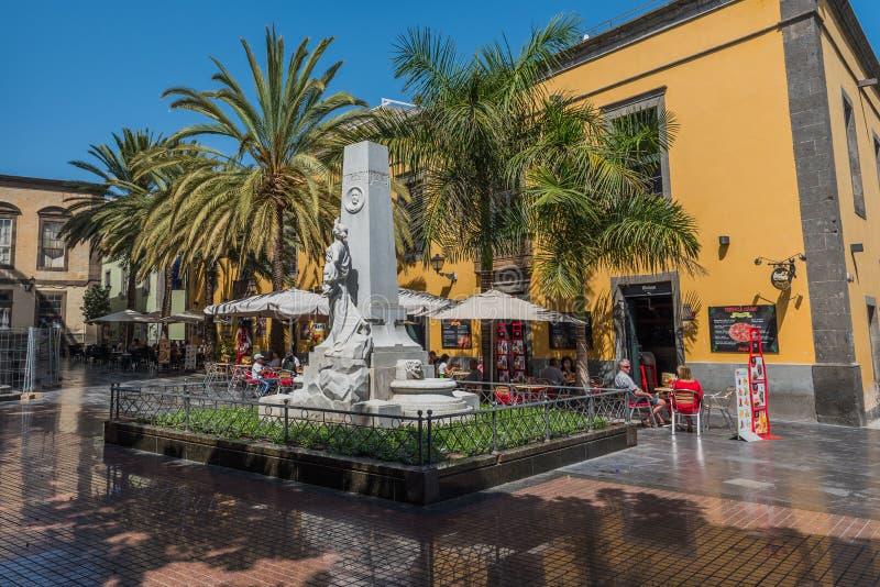 LAS PALMAS DE GRAN CANARIA HISZPANIA, MARZEC, - 10, 2019: Widok zabytek na miasto ulicie zdjęcie stock